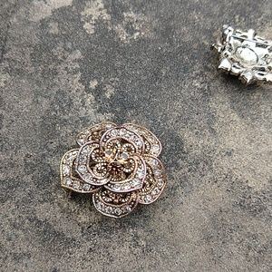 Jewelry - 3/$15 Two flower pins